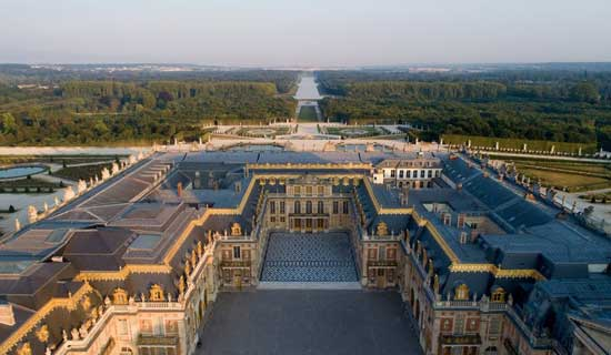 Private Guided Tour of the Palace of Versailles and Marie-Antoinette's Estate - Full day