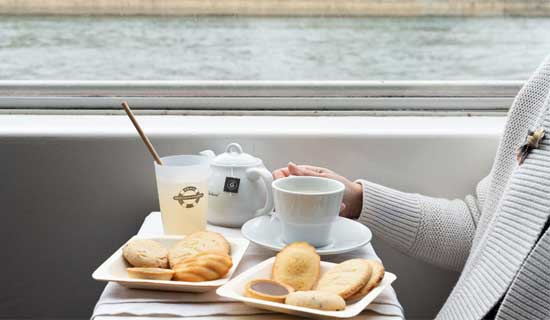 Snack cruise on the Seine