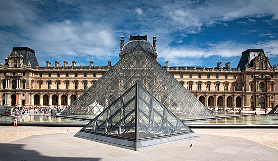 Visit the louvre Museum