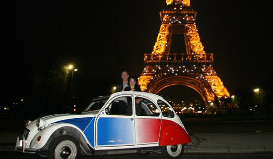 Découvrez Paris la nuit en 2 CV - Offres combinées exclusives