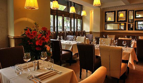 "Lunch or dinner at the restaurant ""La Bouteille d'Or"" - Exclusive menus !"