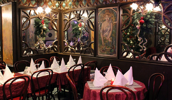 "Lunch or dinner at the restaurant  ""La Cremaillere 1900"" - Place du Tertre"