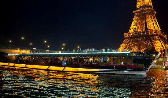 New Eve Dinner CruiseBateaux Mouches