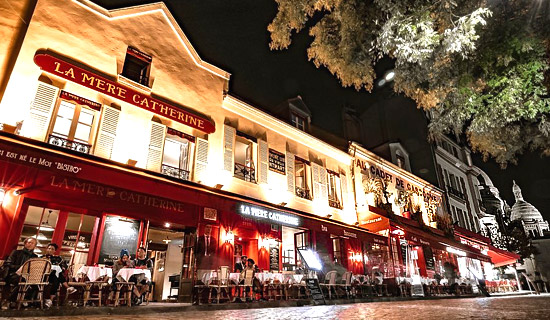 New Year's Eve at the restaurant La Mere Catherine Montmartre