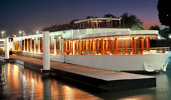 New Year's Eve cruise on a luxury boat
