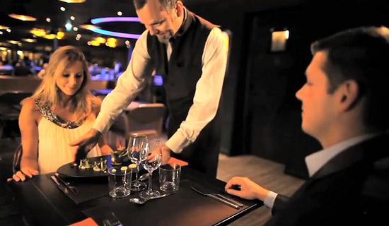Diner au restaurant le 58 Tour Eiffel - MEILLEUR PRIX !