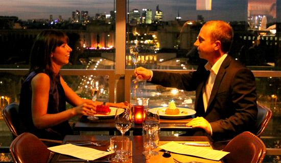 Diner a la Tour Eiffel + Croisiere nocturne