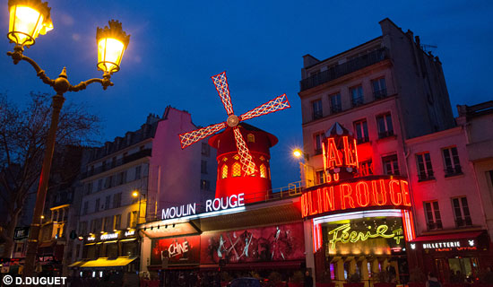 Visit Paris by night +  Moulin Rouge