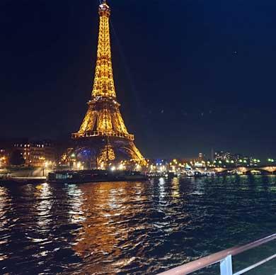 Croisière de Réveillon sur la Seine à travers Paris