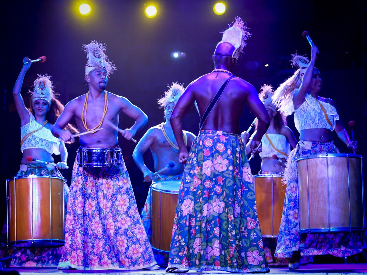 Cabaret Brasil Tropical