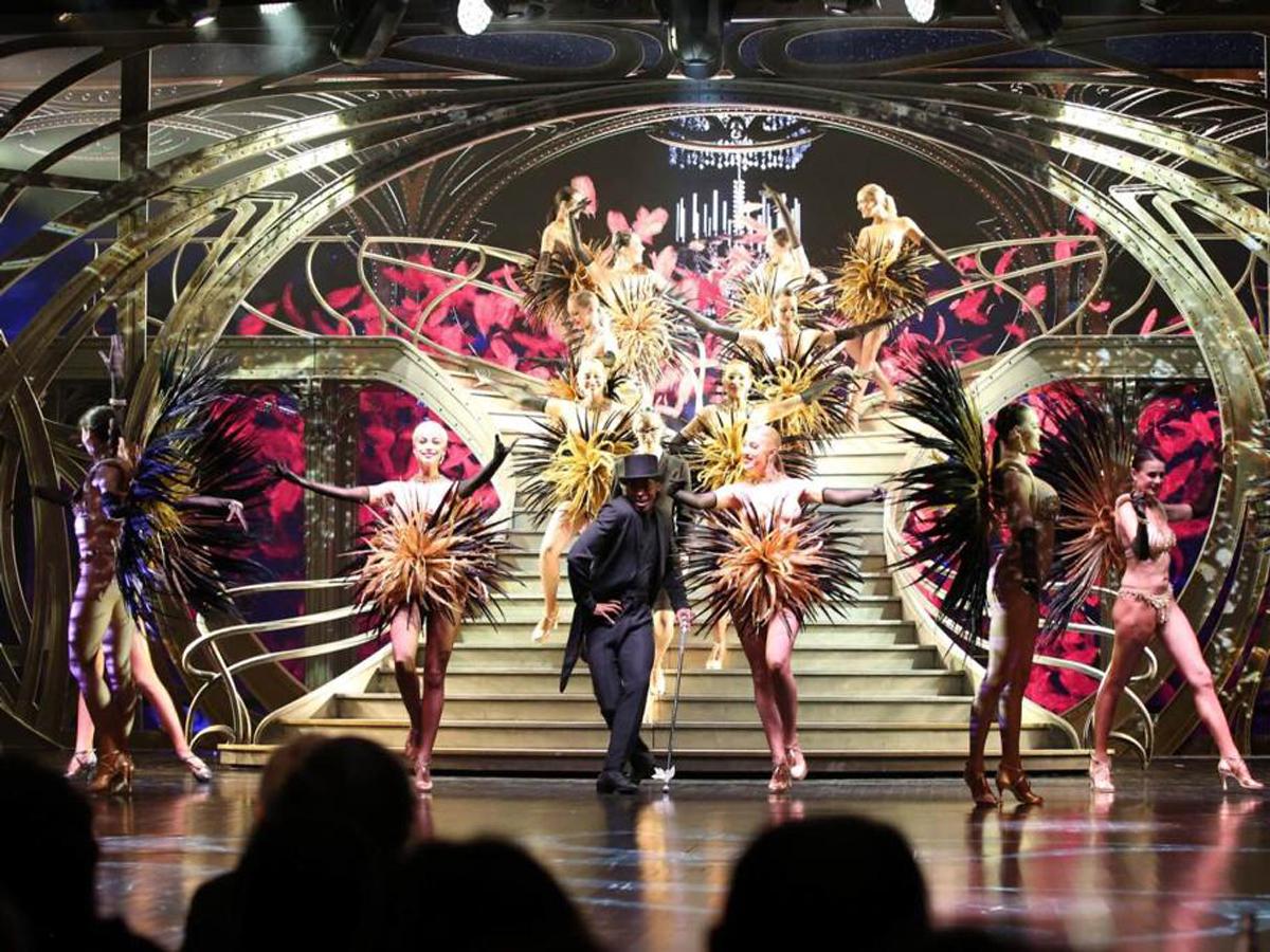 Lido De Paris 11 30 P M Show