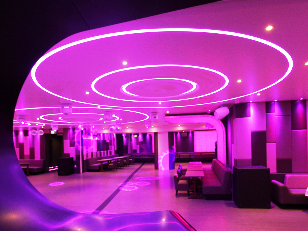 nochevieja al restaurante le vogue night club le duplex. Black Bedroom Furniture Sets. Home Design Ideas