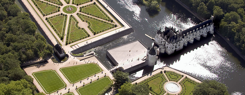 Aerial view of Chenonceau castle