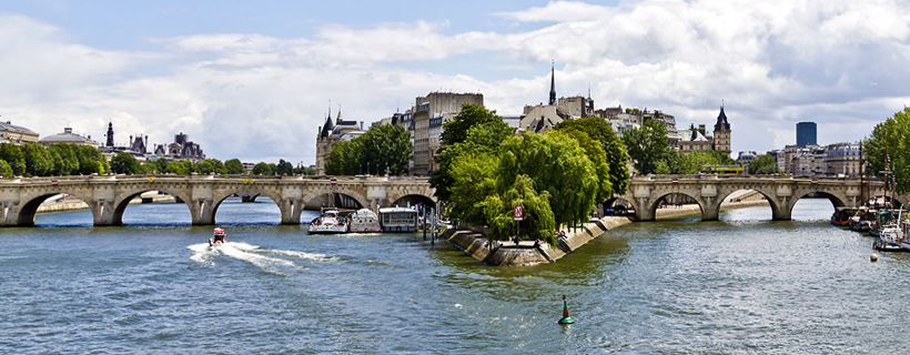 Ile Saint Louis and bridge Sully